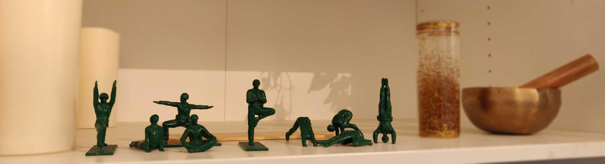 Yoga joes - soldater der laver yoga i Sorø